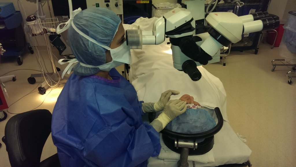 Dr. Heeral Shah performing cataract surgery